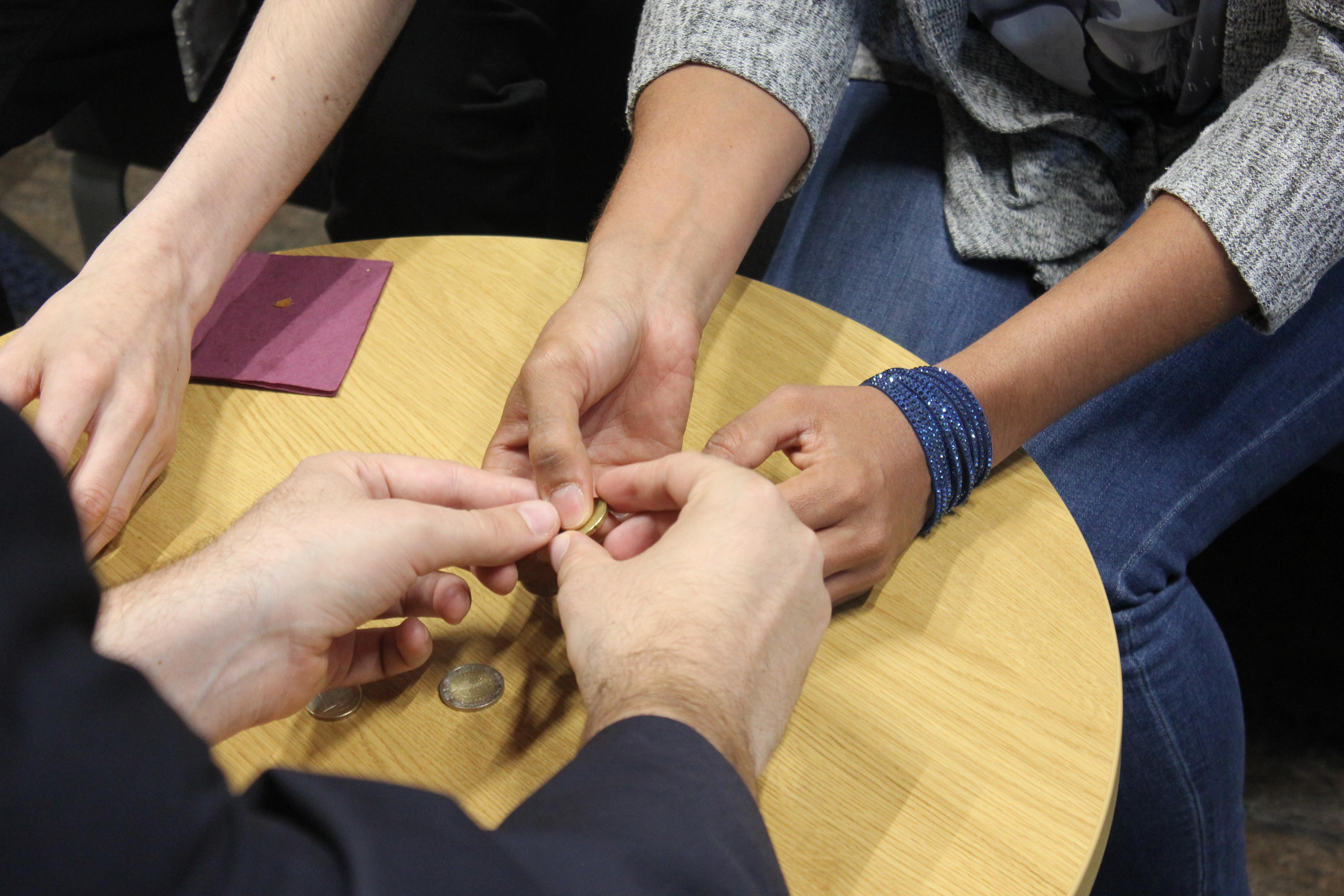 Echanges, partages, ateliers ludiques autour du handicap psychique avec DCA Handicap, spécialiste du handicap psychique à Paris.
