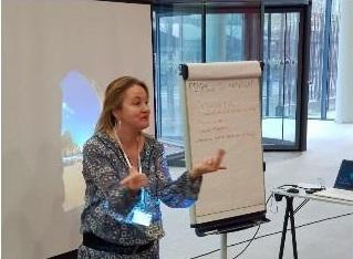 Laure BAILLEUL, partenaire de DCA Handicap et animatrice d'interventions de sensibilisation handicap entreprise.